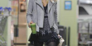 Jessica Alba in collant…ovunque!