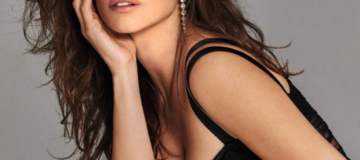 Penelope Cruz con i collant neri