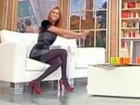 Miriam Leone: Collant velatissimi in TV