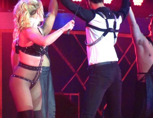 Britney Spears in collant a rete: sempre sensuale